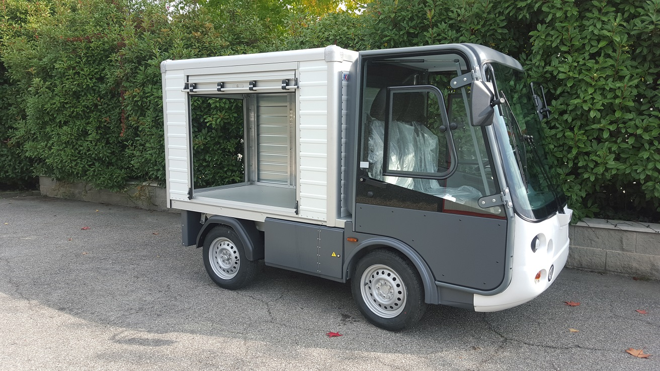316 - Esagono Energia - VanBox short with one side and one rear shutter