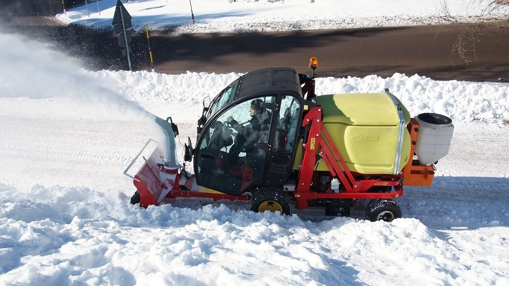 gianni-ferrari-turbo-cruiser-snow-thrower_15610705173_o